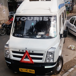 tempo traveller rental in gujarat