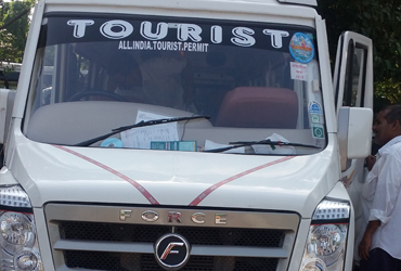 18 seater tempo traveller in gujarat